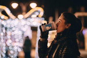 Stone-Insurance-Group-Christmas-Shopping-on-a-Budget-outside-lights